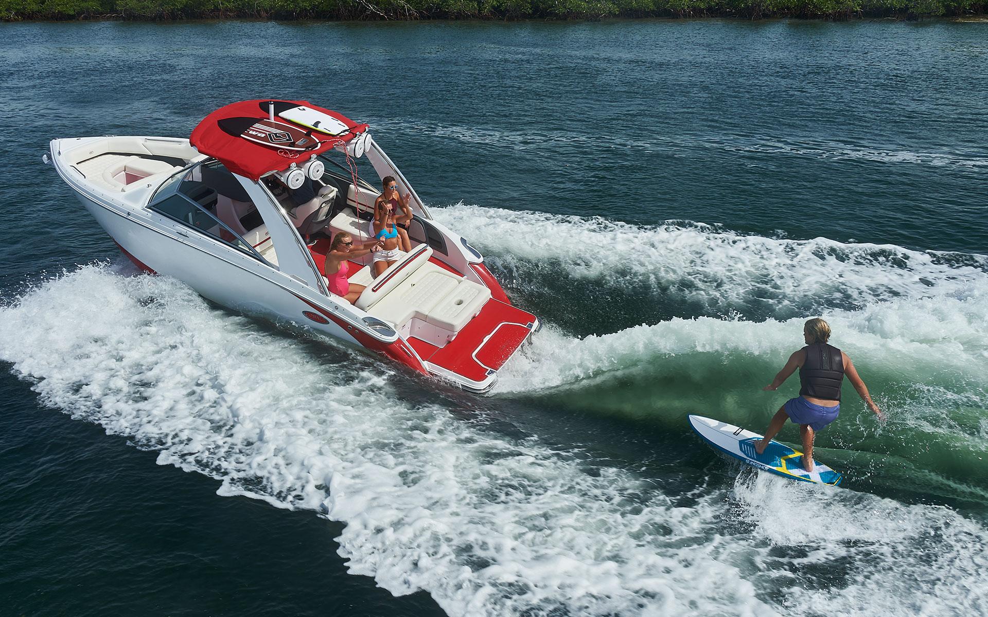 突然ですがウェイクサーフィンボート体験試乗会